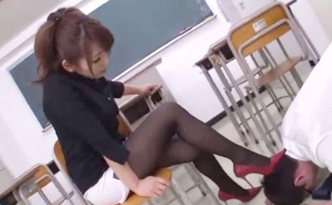 ドS美熟女の教師が生徒のミスを攻め立てて己の欲望を発散する性奴隷として調教し快楽へ貶し込む